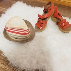 Clarks Women's Caslynn Harp Platform Sandals
